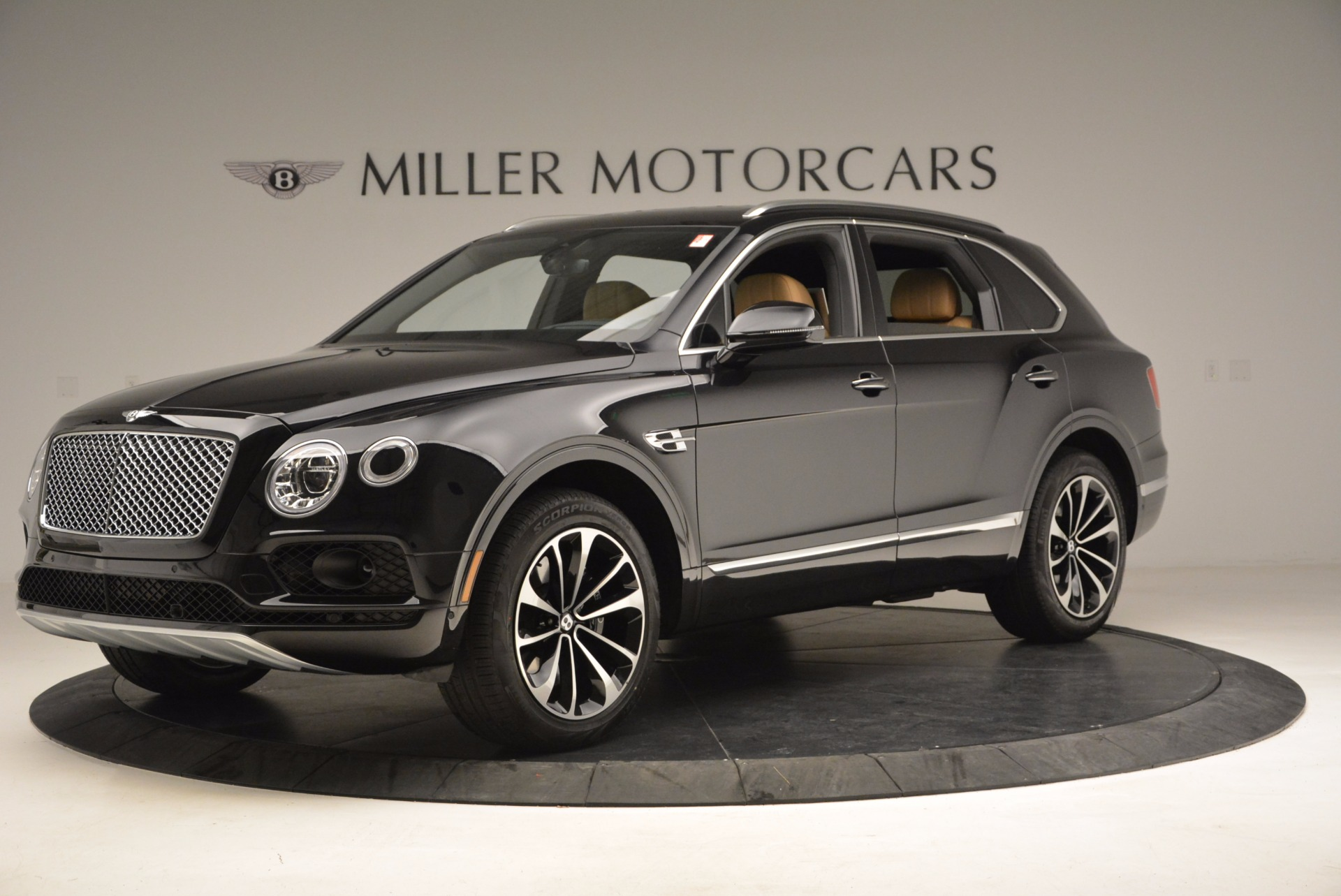 Used 2017 Bentley Bentayga  For Sale In Westport, CT 989_p2