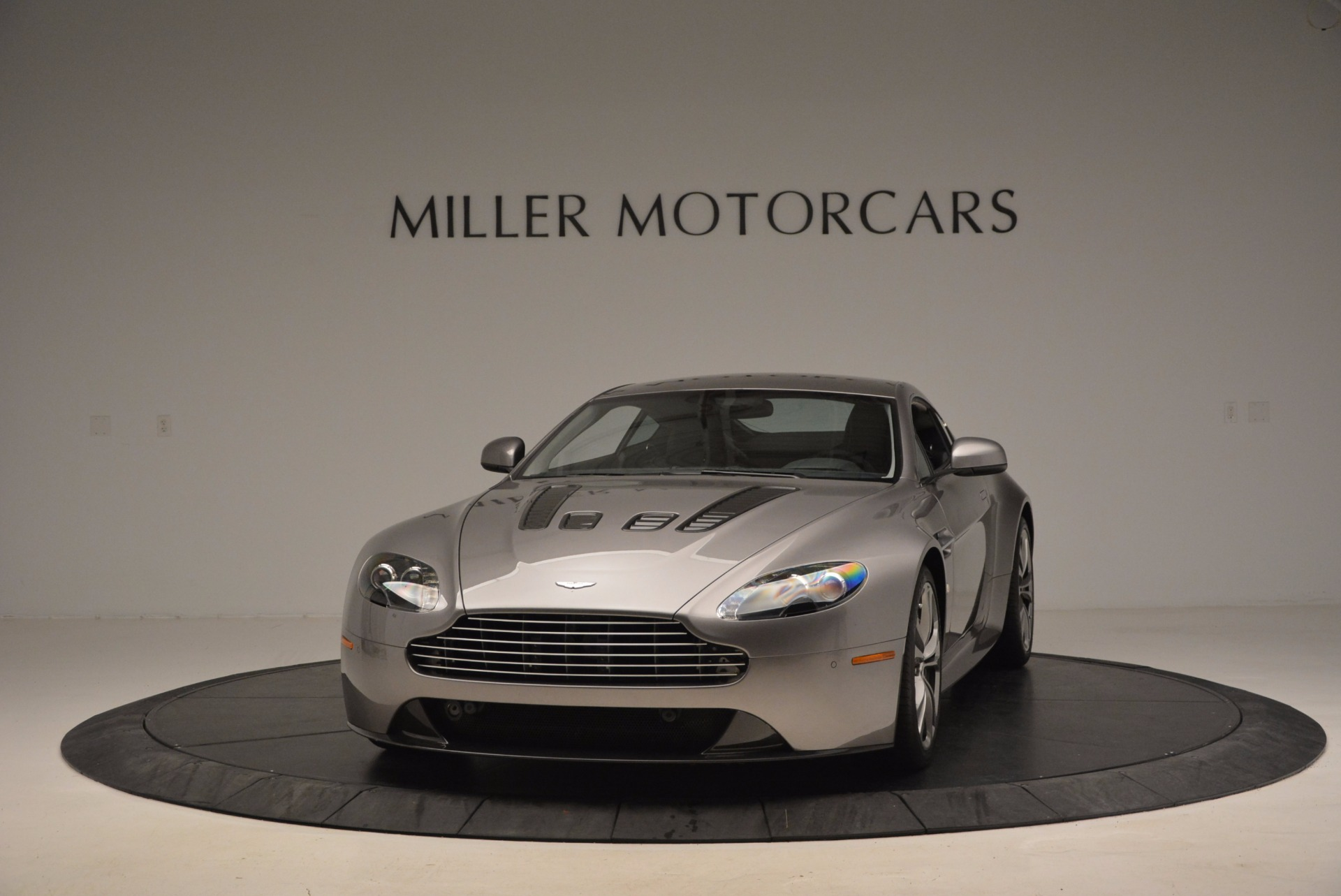 Used 2012 Aston Martin V12 Vantage  For Sale In Westport, CT 994_main