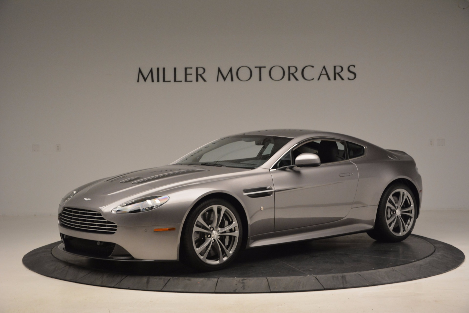 Used 2012 Aston Martin V12 Vantage  For Sale In Westport, CT 994_p2