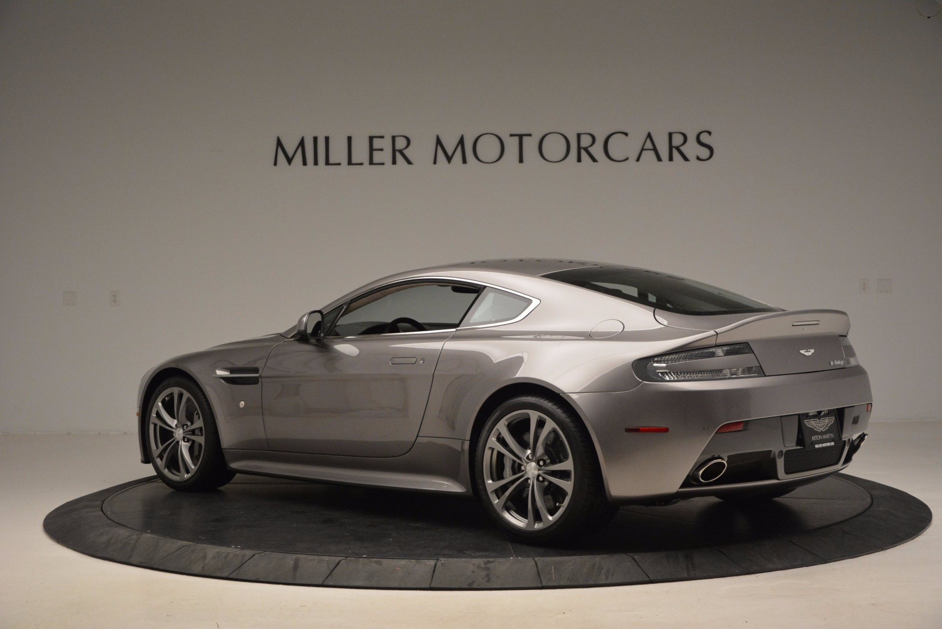 Used 2012 Aston Martin V12 Vantage  For Sale In Westport, CT 994_p4