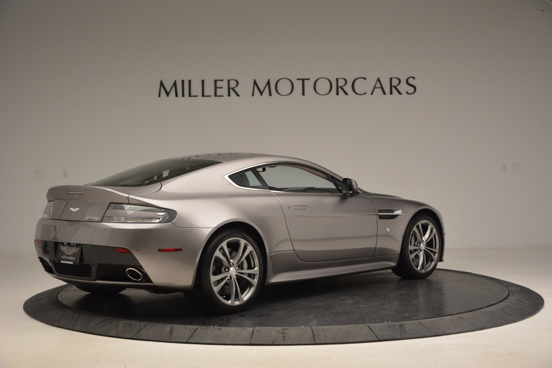 Used 2012 Aston Martin V12 Vantage  For Sale In Westport, CT 994_p8