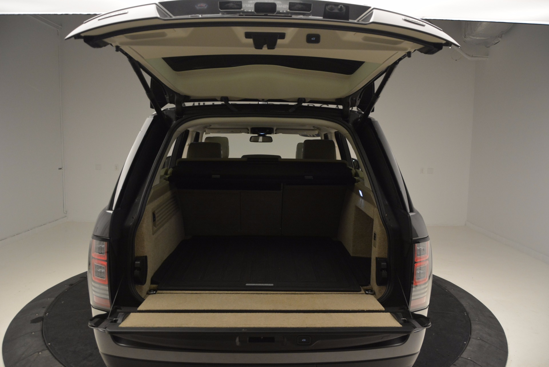 Used 2016 Land Rover Range Rover HSE TD6 For Sale In Westport, CT 999_p37