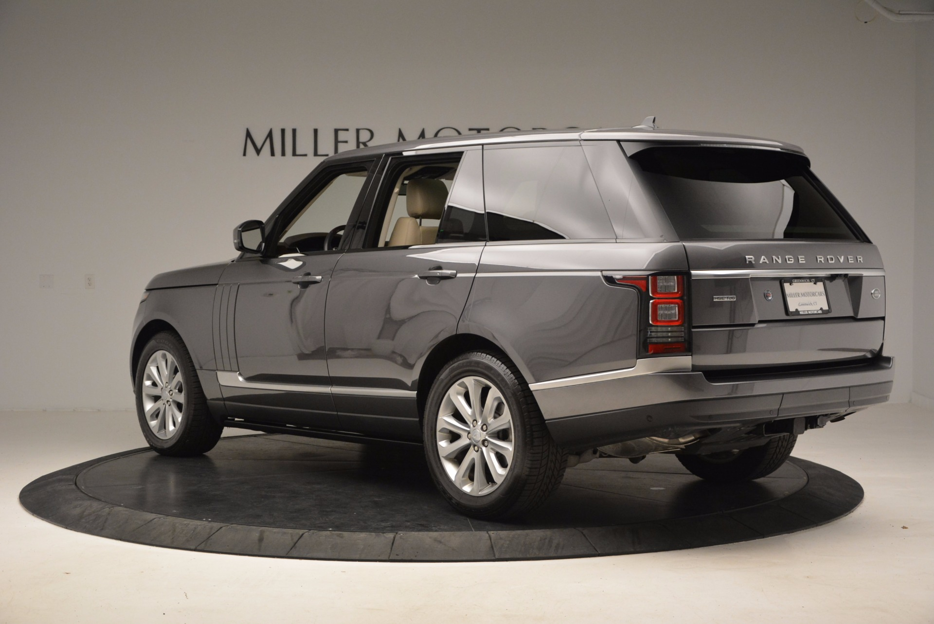 Used 2016 Land Rover Range Rover HSE TD6 For Sale In Westport, CT 999_p4