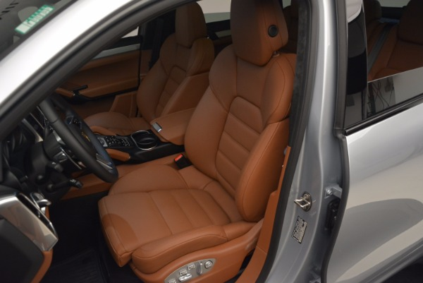 Used 2016 Porsche Cayenne Turbo for sale Sold at Alfa Romeo of Westport in Westport CT 06880 18