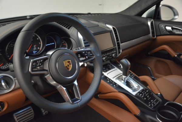 Used 2016 Porsche Cayenne Turbo for sale Sold at Alfa Romeo of Westport in Westport CT 06880 21