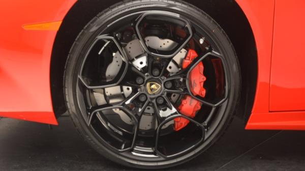 Used 2016 Lamborghini Huracan LP 580-2 for sale Sold at Alfa Romeo of Westport in Westport CT 06880 17