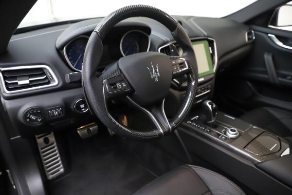 Used 2017 Maserati Ghibli S Q4 for sale Sold at Alfa Romeo of Westport in Westport CT 06880 13