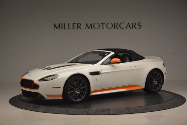 Used 2017 Aston Martin V12 Vantage S Convertible for sale $155,900 at Alfa Romeo of Westport in Westport CT 06880 14