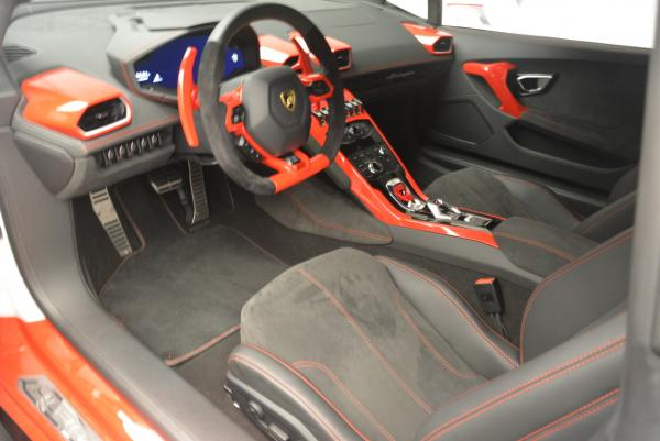Used 2015 Lamborghini Huracan LP610-4 for sale Sold at Alfa Romeo of Westport in Westport CT 06880 14