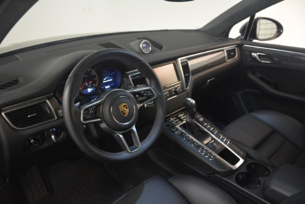 Used 2016 Porsche Macan Turbo for sale Sold at Alfa Romeo of Westport in Westport CT 06880 17