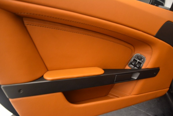 Used 2009 Aston Martin V8 Vantage for sale Sold at Alfa Romeo of Westport in Westport CT 06880 16