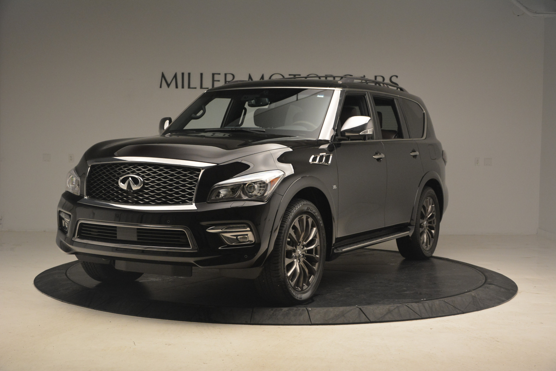 Used 2015 INFINITI QX80 Limited 4WD for sale Sold at Alfa Romeo of Westport in Westport CT 06880 1