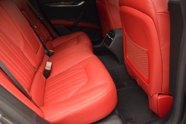 Used 2015 Maserati Ghibli S Q4 for sale Sold at Alfa Romeo of Westport in Westport CT 06880 24
