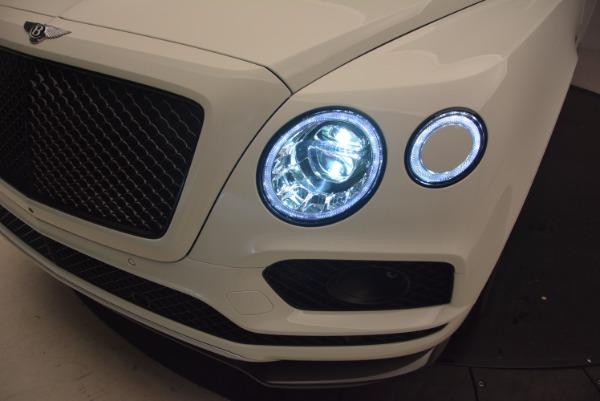Used 2018 Bentley Bentayga Black Edition for sale Sold at Alfa Romeo of Westport in Westport CT 06880 17