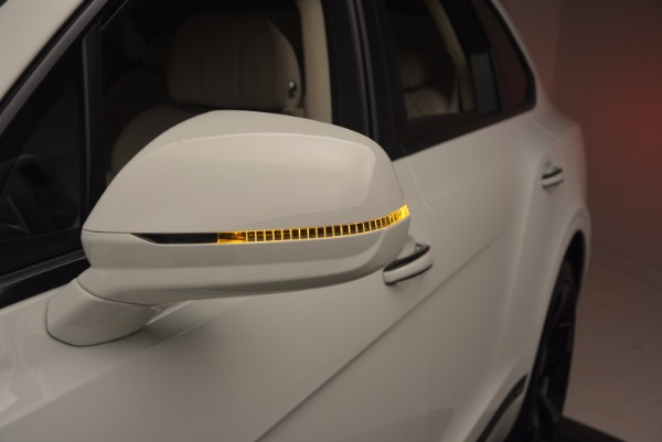Used 2018 Bentley Bentayga Black Edition for sale Sold at Alfa Romeo of Westport in Westport CT 06880 25