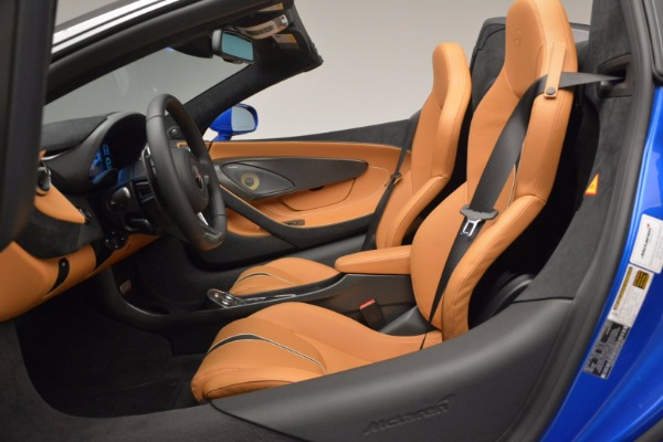 Used 2018 McLaren 570S Spider for sale Sold at Alfa Romeo of Westport in Westport CT 06880 27