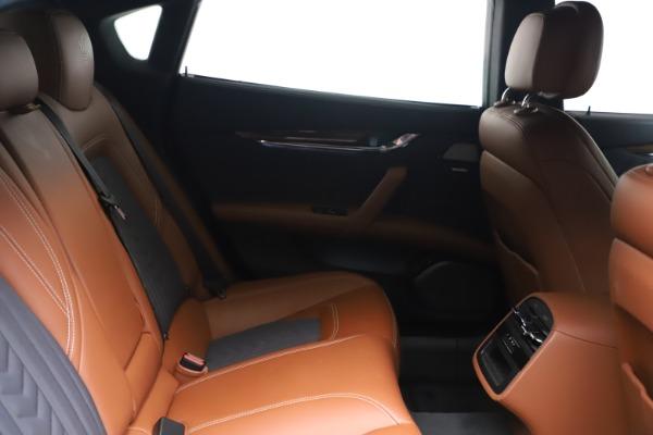 Used 2017 Maserati Quattroporte SQ4 GranLusso/ Zegna for sale $62,900 at Alfa Romeo of Westport in Westport CT 06880 23