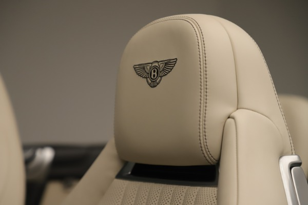 Used 2016 Bentley Continental GTC V8 S for sale $147,900 at Alfa Romeo of Westport in Westport CT 06880 25