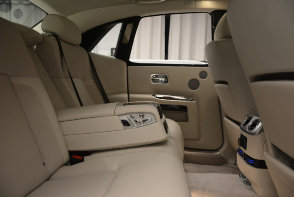 Used 2010 Rolls-Royce Ghost for sale Sold at Alfa Romeo of Westport in Westport CT 06880 25