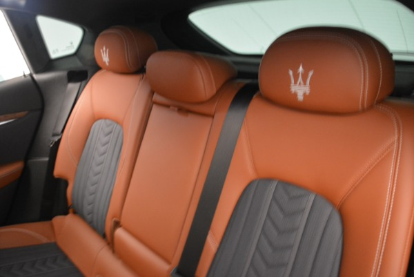 Used 2018 Maserati Levante Q4 GranLusso for sale $61,900 at Alfa Romeo of Westport in Westport CT 06880 17