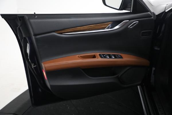 Used 2018 Maserati Ghibli S Q4 GranLusso for sale $56,900 at Alfa Romeo of Westport in Westport CT 06880 15