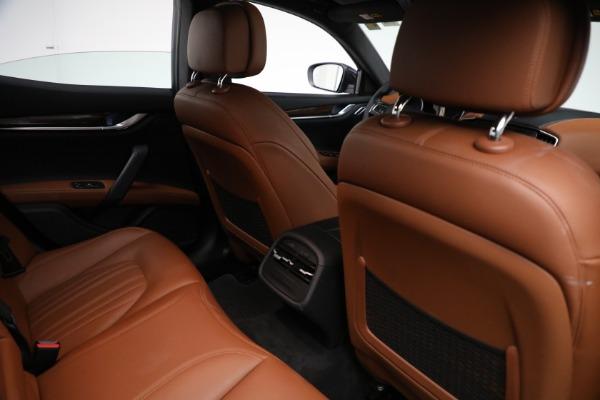 Used 2018 Maserati Ghibli S Q4 GranLusso for sale $56,900 at Alfa Romeo of Westport in Westport CT 06880 23