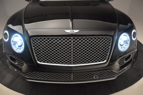 Used 2018 Bentley Bentayga Onyx Edition for sale $139,900 at Alfa Romeo of Westport in Westport CT 06880 15