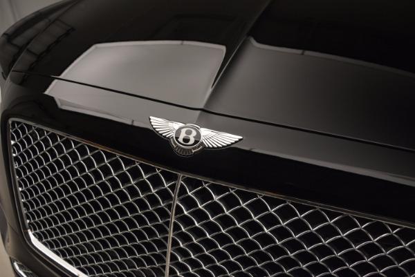 Used 2018 Bentley Bentayga Onyx for sale $145,900 at Alfa Romeo of Westport in Westport CT 06880 16