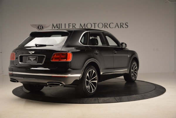 Used 2018 Bentley Bentayga Onyx Edition for sale $139,900 at Alfa Romeo of Westport in Westport CT 06880 9