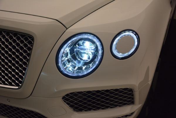 Used 2018 Bentley Bentayga Signature for sale Sold at Alfa Romeo of Westport in Westport CT 06880 18