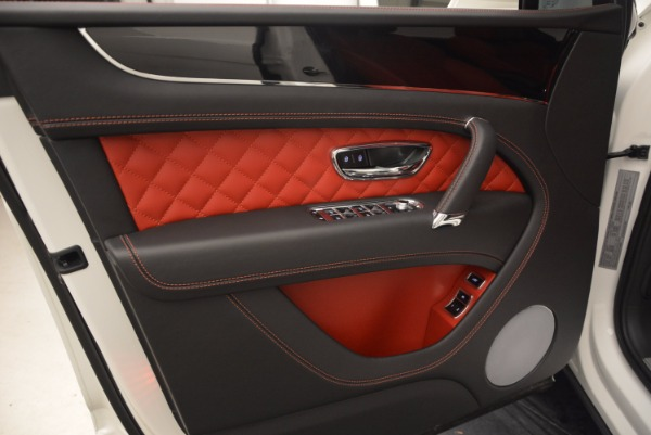 Used 2018 Bentley Bentayga Signature for sale Sold at Alfa Romeo of Westport in Westport CT 06880 21