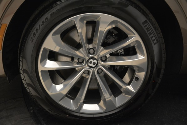 New 2018 Bentley Bentayga Signature for sale Sold at Alfa Romeo of Westport in Westport CT 06880 15
