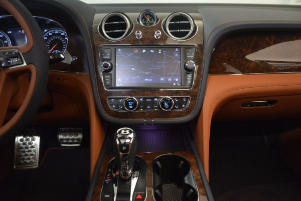 Used 2018 Bentley Bentayga W12 Signature for sale Call for price at Alfa Romeo of Westport in Westport CT 06880 27