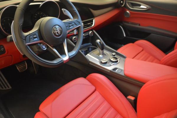 New 2018 Alfa Romeo Giulia Sport Q4 for sale Sold at Alfa Romeo of Westport in Westport CT 06880 16