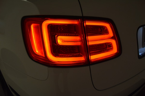 New 2018 Bentley Bentayga Black Edition for sale Sold at Alfa Romeo of Westport in Westport CT 06880 21