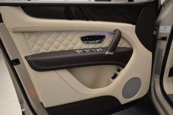 New 2018 Bentley Bentayga Signature for sale Sold at Alfa Romeo of Westport in Westport CT 06880 17