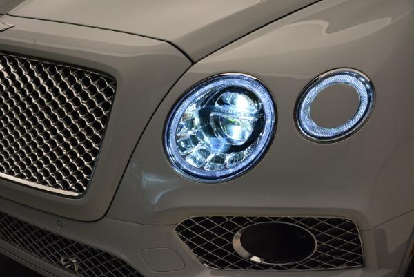 Used 2017 Bentley Bentayga for sale Sold at Alfa Romeo of Westport in Westport CT 06880 15