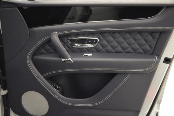 Used 2017 Bentley Bentayga for sale Sold at Alfa Romeo of Westport in Westport CT 06880 28