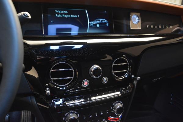 Used 2018 Rolls-Royce Phantom for sale Sold at Alfa Romeo of Westport in Westport CT 06880 14