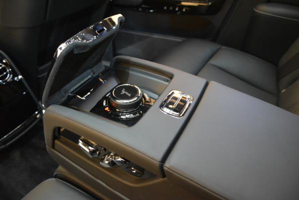 Used 2018 Rolls-Royce Phantom for sale Sold at Alfa Romeo of Westport in Westport CT 06880 20