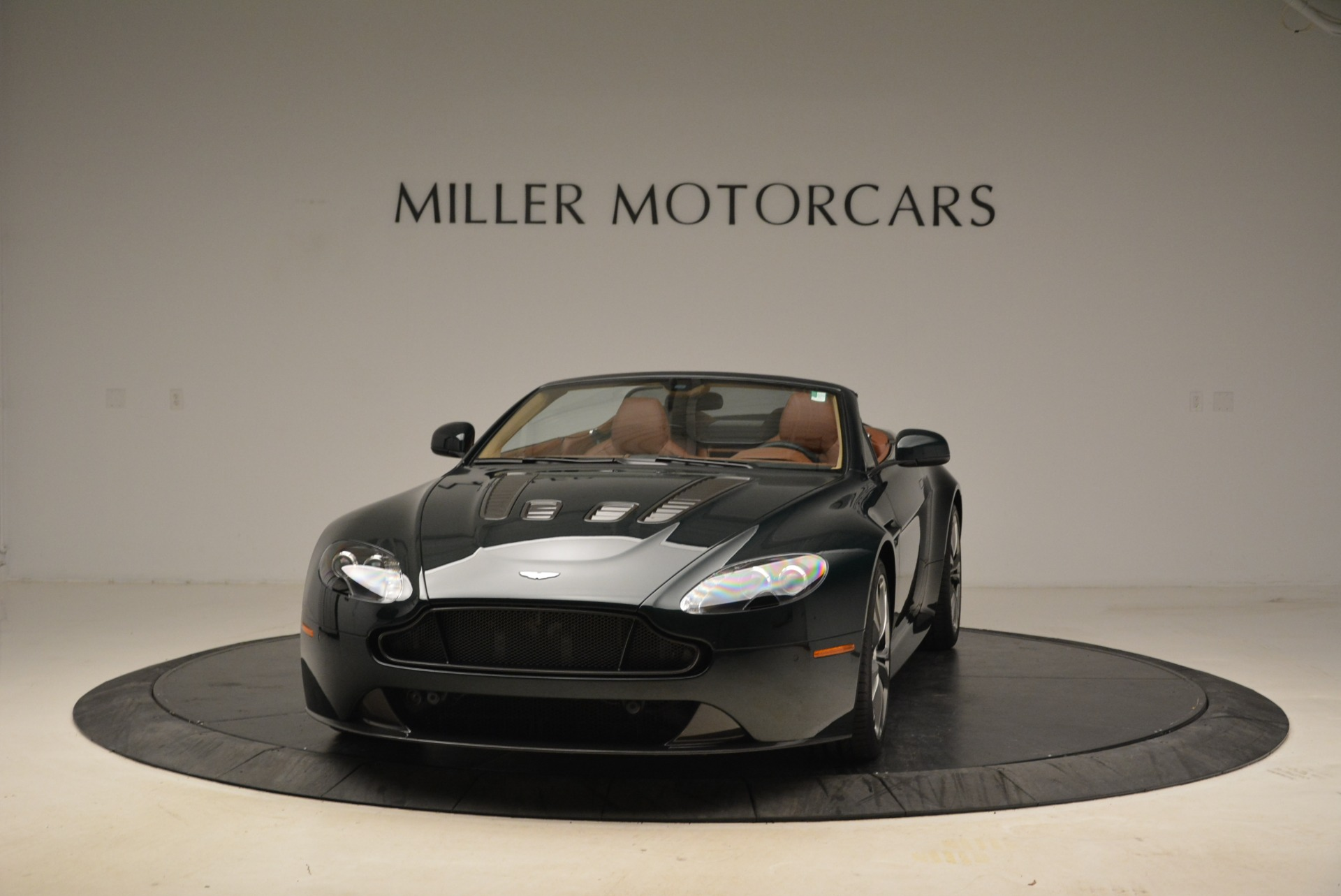 Used 2017 Aston Martin V12 Vantage S Roadster for sale Sold at Alfa Romeo of Westport in Westport CT 06880 1