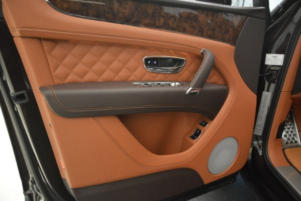 Used 2018 Bentley Bentayga W12 Signature for sale Call for price at Alfa Romeo of Westport in Westport CT 06880 20