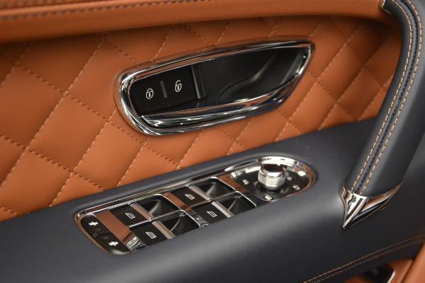Used 2018 Bentley Bentayga Signature for sale Sold at Alfa Romeo of Westport in Westport CT 06880 19