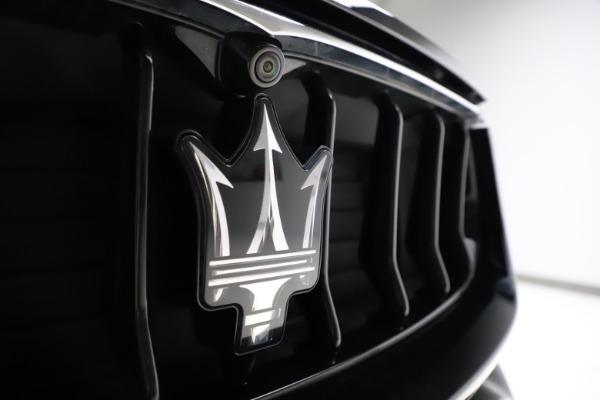 Used 2018 Maserati Levante Q4 GranSport for sale $53,900 at Alfa Romeo of Westport in Westport CT 06880 13