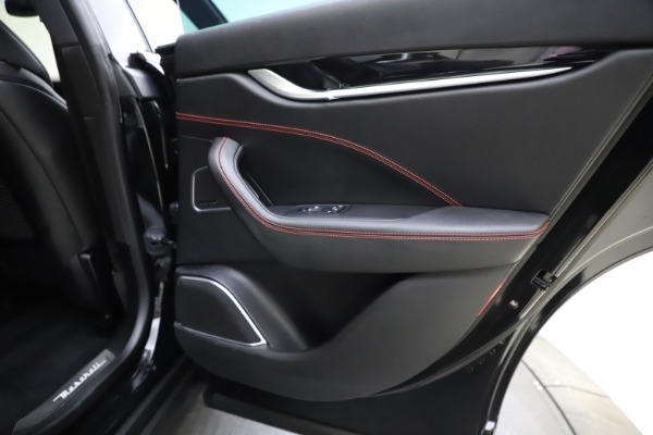 Used 2018 Maserati Levante Q4 GranSport for sale $53,900 at Alfa Romeo of Westport in Westport CT 06880 27