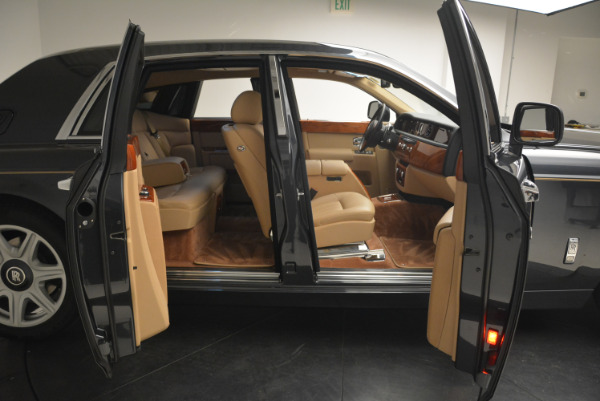 Used 2013 Rolls-Royce Phantom for sale Sold at Alfa Romeo of Westport in Westport CT 06880 11