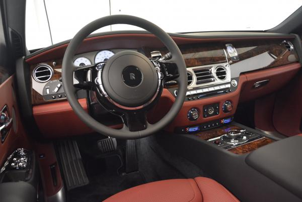 Used 2016 Rolls-Royce Ghost for sale $176,900 at Alfa Romeo of Westport in Westport CT 06880 18