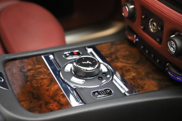 Used 2016 Rolls-Royce Ghost for sale $169,900 at Alfa Romeo of Westport in Westport CT 06880 19