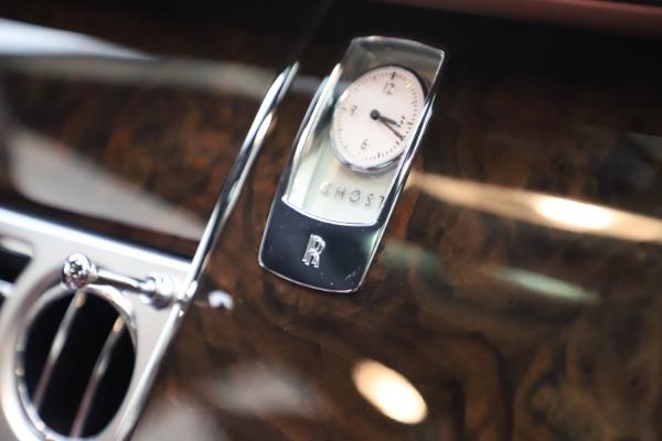 Used 2016 Rolls-Royce Ghost for sale $169,900 at Alfa Romeo of Westport in Westport CT 06880 22