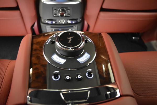 Used 2016 Rolls-Royce Ghost for sale $169,900 at Alfa Romeo of Westport in Westport CT 06880 27
